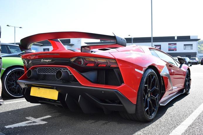 لامبورگینی Lamborghini Aventador SVJ