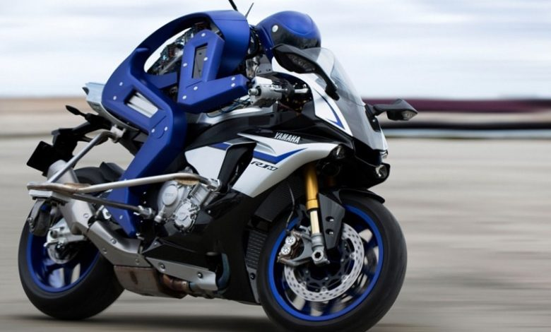 ربات موتور سوار با سرعت 200 کیلومتر بر ساعت