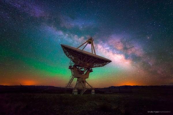 سیگنال های مرموز از فضا