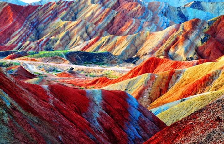 کوه های رنگین کمان شگفت انگیز Zhangye Danxia