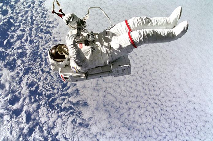 بدن انسان در فضا   بدن انسان بدون لباس فضانوردی چه مدت در فضا دوام می آورد ؟